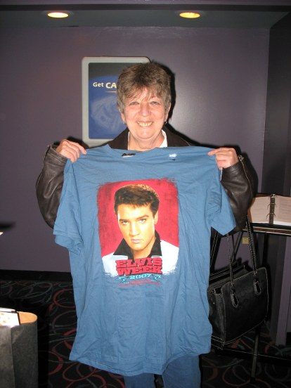 Graceland Jean with t shirt